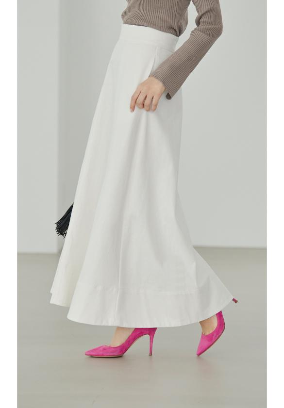 ハイウエストデニムロングスカート着用している星玲奈さん5