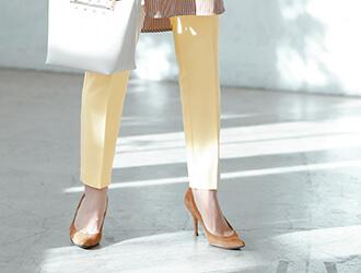 カラースティックパンツ着用の星玲奈さん3