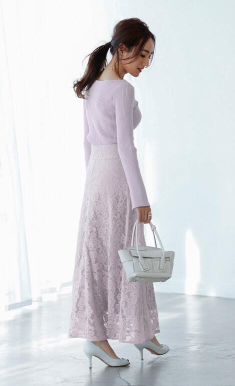 レースセミフレアスカートを着用している星玲奈さん5
