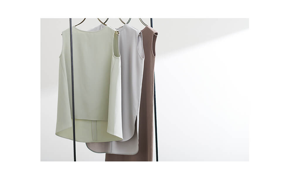 上品な大人ファッションの星玲奈さん × ur'sコラボアイテム